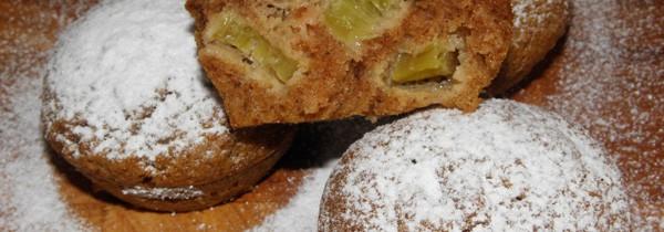 Muffinki z rabarbarem i cynamonową nutą