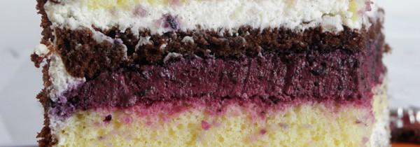 Tort śmietankowo jagodowy