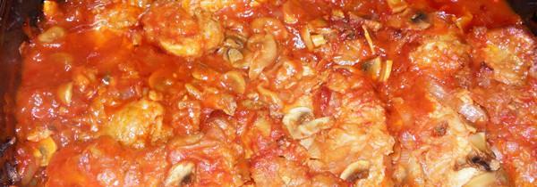 Karkówka pieczona z pieczarkami i cebulą